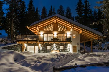 Amazing Chalet located at a few steps from ski slopes at 1800 metres